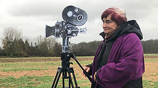 varda-by-agnes-av-camera-carton-travelin