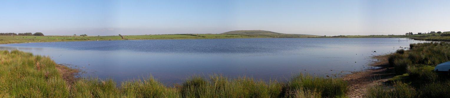 Dozmary_pool_panorama