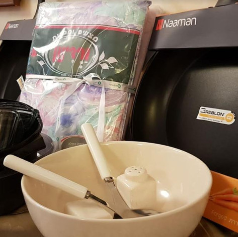 random white salad bowl 2.JPG