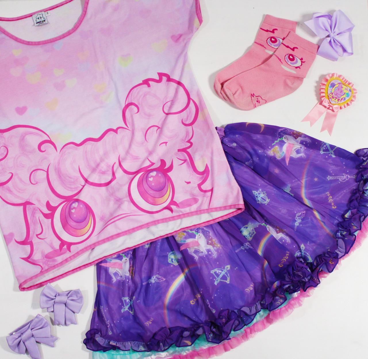 Top: Pompoji's Kawaii Magic Tee Skirt: Night Trip Skirt  Socks: Pompoji Socks Bracelet: Charming Bow Bracelets Rosette: Pompoji Rosette  6DOKIDOKI x GHOST GiRL GOODS