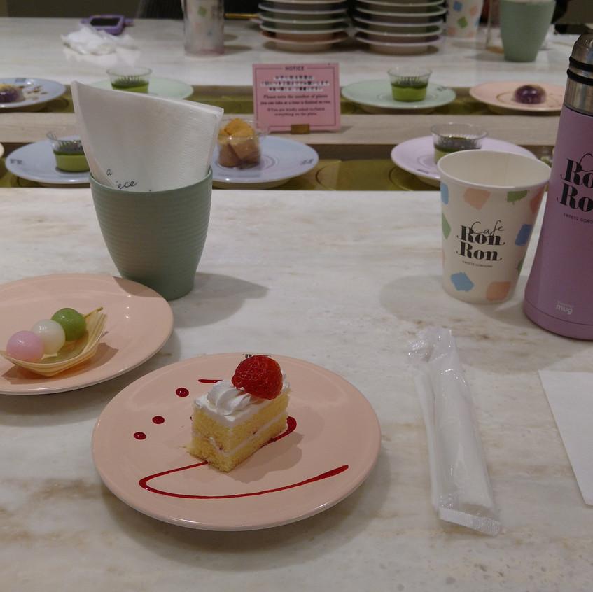 Time to begin!! Mini strawberry shortcake and baby dango.