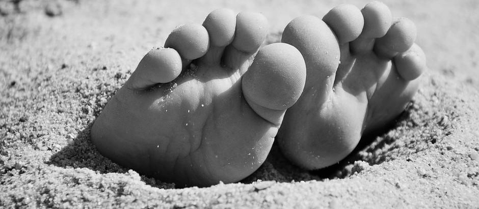 Profitez de l'été pour marcher pieds nus !