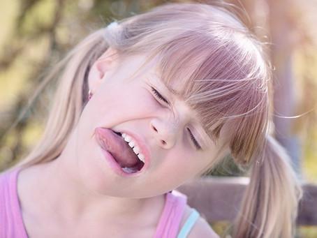 Quelle est l'importance de la position de ma langue ?