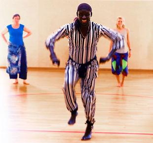 Hampar-Sarafian-Afrik-Tanz-Art-Afrikanischer-Tanz-Lehrer-NAGO-Foto-IAN.jpg