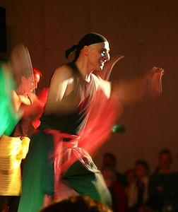 Hampar-Sarafian-Afrik-Tanz-Art-Afrikanis