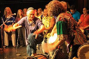 Hampar-Sarafian-Afrik-Tanz-Art-Afrikanischer-Tanz-BODY-TALK-Foto-Sylvester.jpg