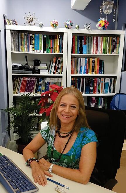 Maria Tereza Gomes Basile - Psicopedagoga - Diretora da Basile Estudo Orientado - Aulas Particulares