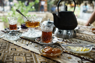 Baku Old Town Tea Drinking (1 of 3).jpg