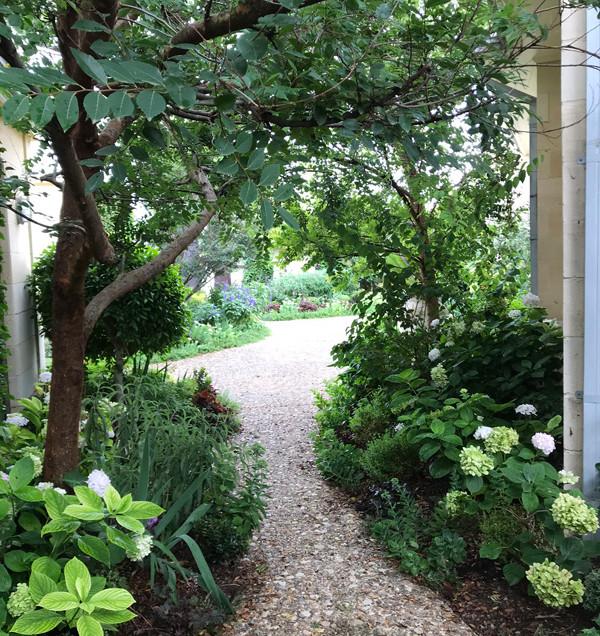 practical garden design.jpg