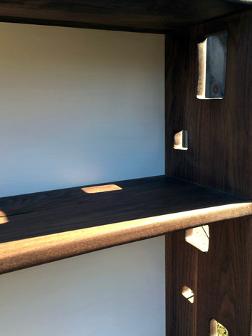Walnt Petty Shelf