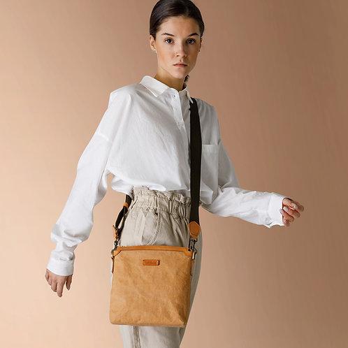 UASHMAMA Mayfair Tasche aus waschbarem Papier,  Crossover getragen Vorderansicht