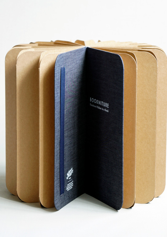 Bookniture Jeans