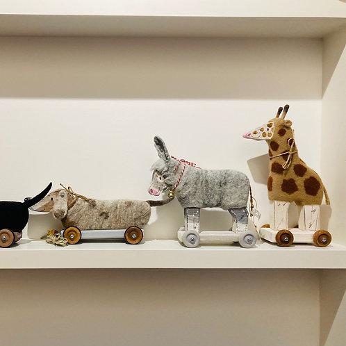 Lieblingstiere Spielzeug aus Holz und Wolle