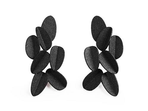Ohrringe 3D gedruckt Farbe schwarz, Vorderansicht