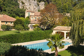 00 La-Roque-estate-pool n copy.jpg