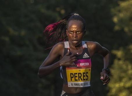 Jepchirchir rompe el récord mundial de media maratón solo para mujeres en Praga