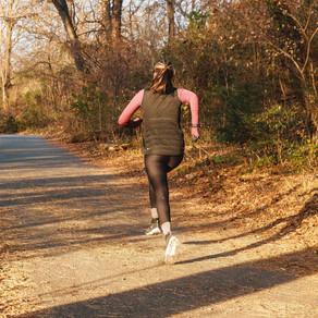 ¿Por qué experimentas dolor de hombro mientras corres y qué hacer al respecto?