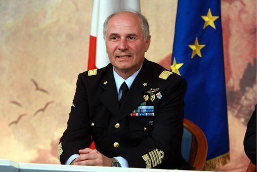 """Vincenzo Camporini: """"Mosca scherza col fuoco"""""""