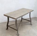 desk008.jpg