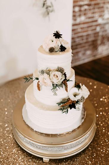 downtown Memphis autumn wedding reception cake