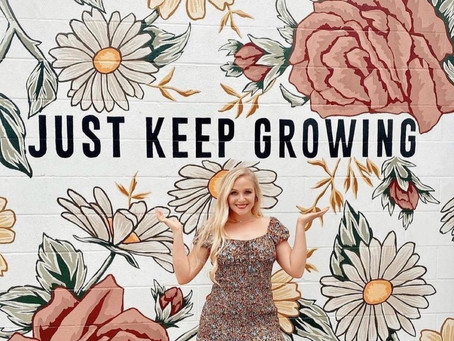 Cinco Ranch Graduate Known for Inspirational Flower Art to Create Mural at LaCenterra