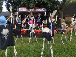 Katy Family Celebrates 20 Years of Halloween Story Telling