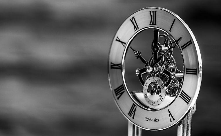 clock-3681303_1920.jpg