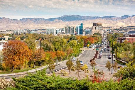 Boise%20Idaho%20street%20leading%20to%20the%20capital%20building%20in%20fall_edited.jpg