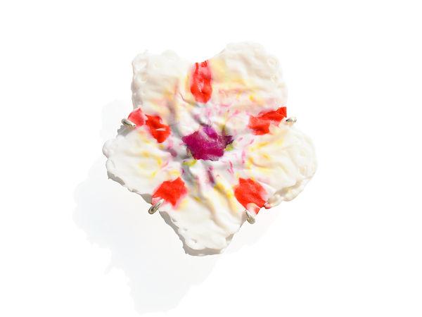 bloom brooch Asami Watanabe 002.jpg