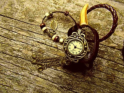 Uhren im Trachtenlook