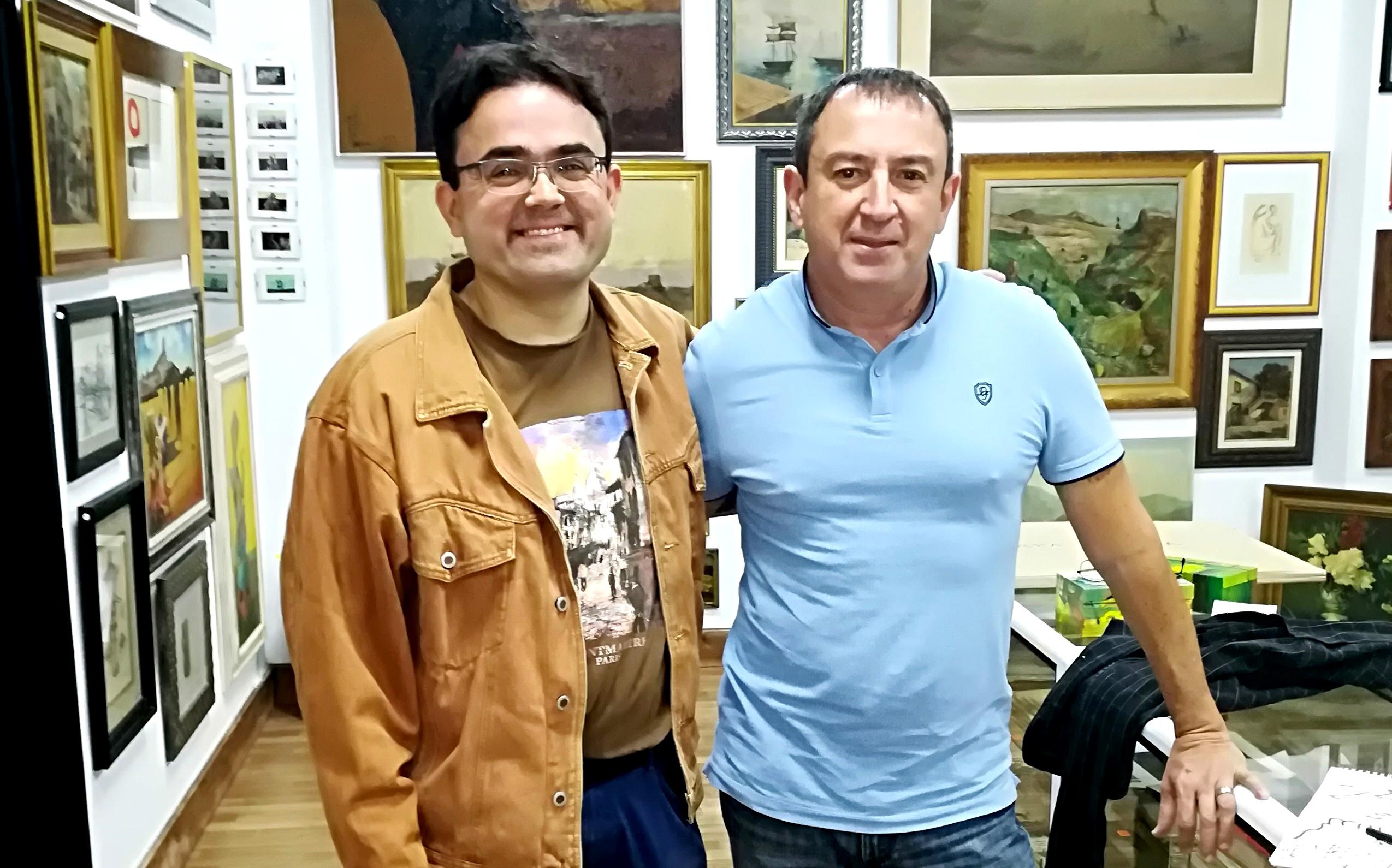 Junto al Galerista Javier Santana