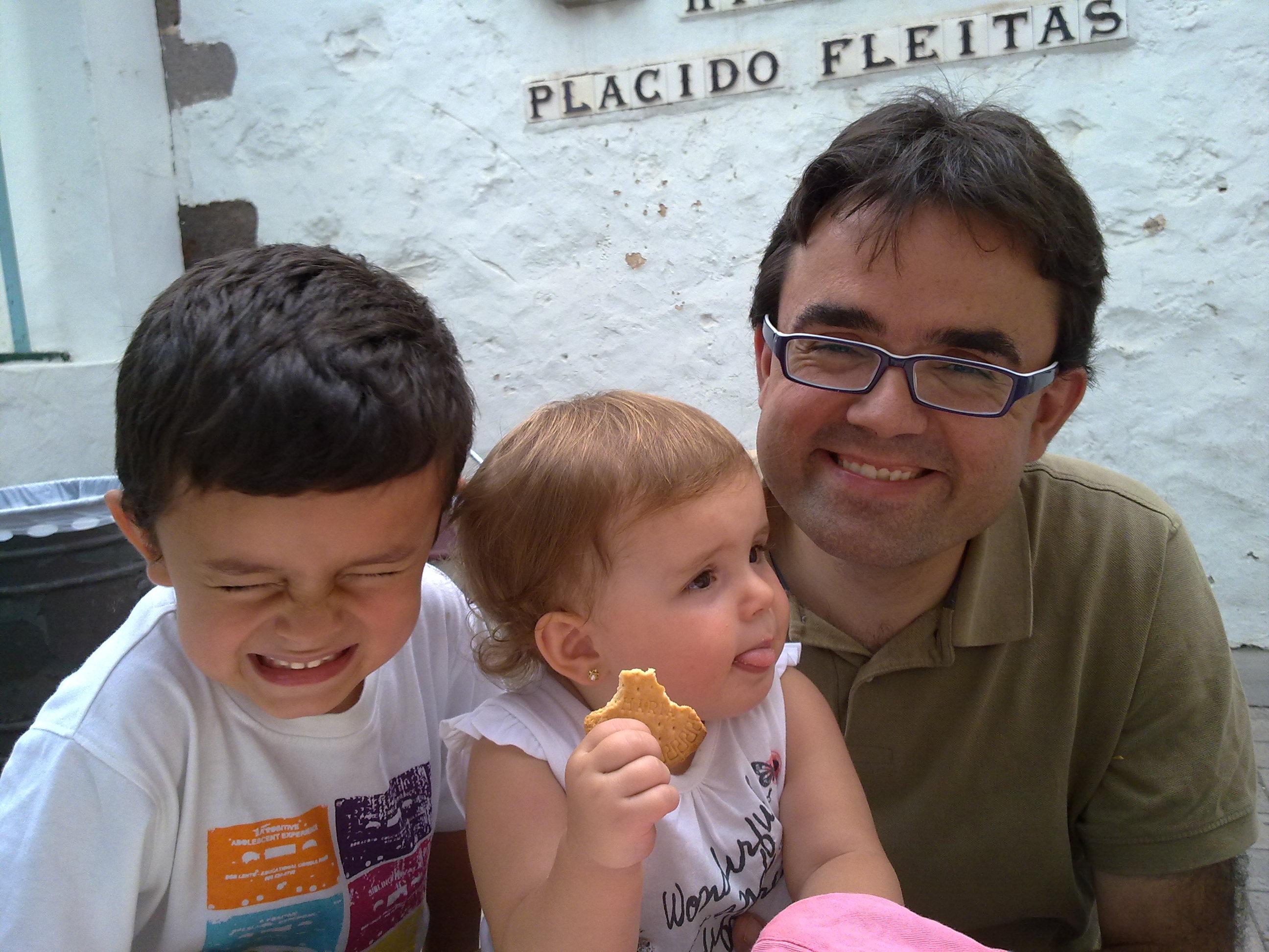 Con Amado y Clara, Telde, 2012.jpg