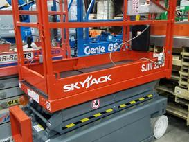 2012 Skyjack 3215