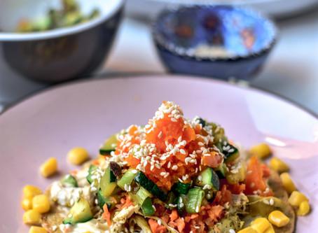 Hartige pannenkoekjes met pulled chicken en groenten | Glutenvrij & Lactosevrij