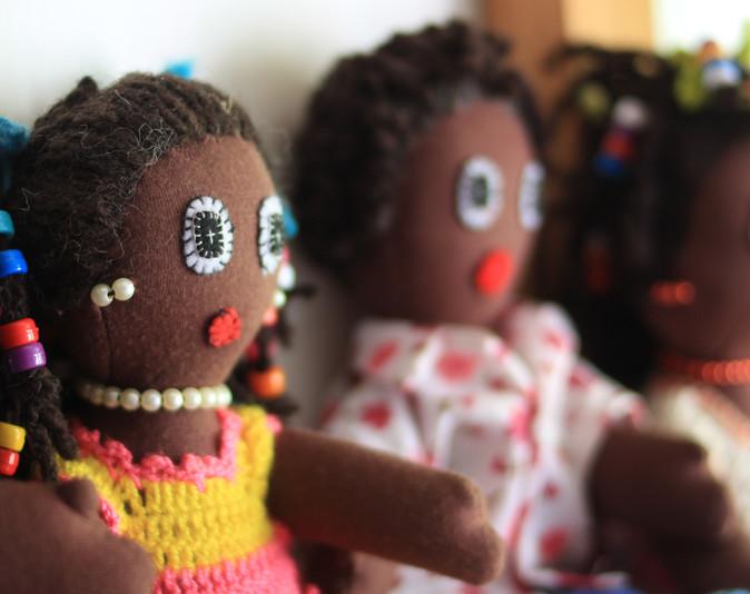 Muñecas negras
