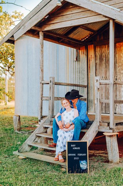 Rockhampton, Yeppoon, Byfield, Gladstone, Agnes Water 1770, Mackay, Emerald,  Central Queensland, Pregnancy Announcement Maternity Newborn Lifestyle Photographer