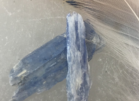 Kyanite: Blue