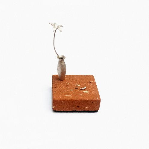 Escultura/Broche O Velho e a Flor