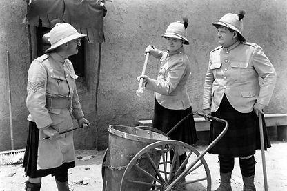 Laurel & Hardy in Bonnie Scotland