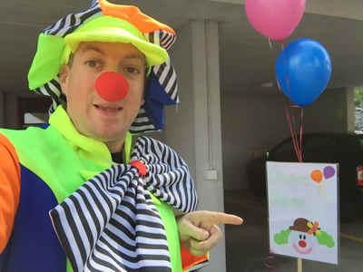 Junger Clown mieten