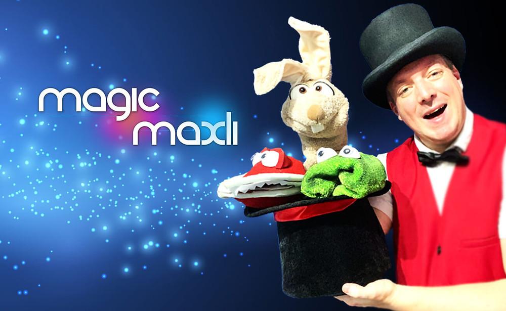 Im Bild: Magicmaxli Kinderzauberer mit Hopsi dem Zauberhase und Wurli und Snapi