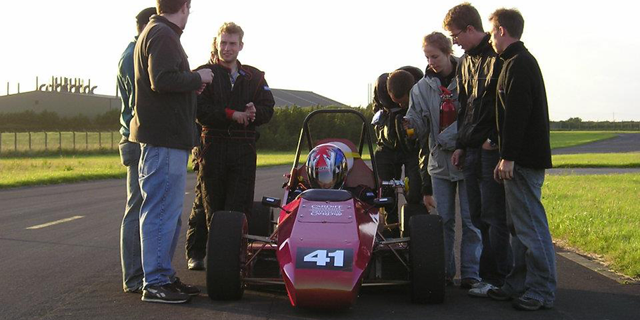 CR02 team round car 1000 x 500.png