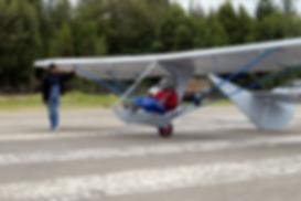 Construccion del primer planeador goat en colombia, las primeras pruebas realizadas en el aeropuerto Rojas Pinilla en la cuidad de Tunja Boyaca