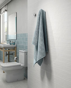 Maiolica - White and Aqua bathroom ambie