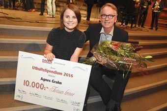 Roland Utbult tillsammans med Agnes Grahn – 2016 års utbultstipendiat.