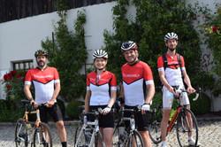 Cycling2Help-Team 1