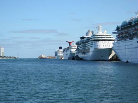 CDC, Yaz Ortasında ABD Kalkışlı Cruise Programlarının Başlayabileceğinin İşaretini Verdi