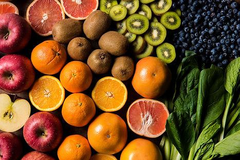 カラフルなフルーツや野菜をまるごと使用したアイスポップ体に美味しいを届けます