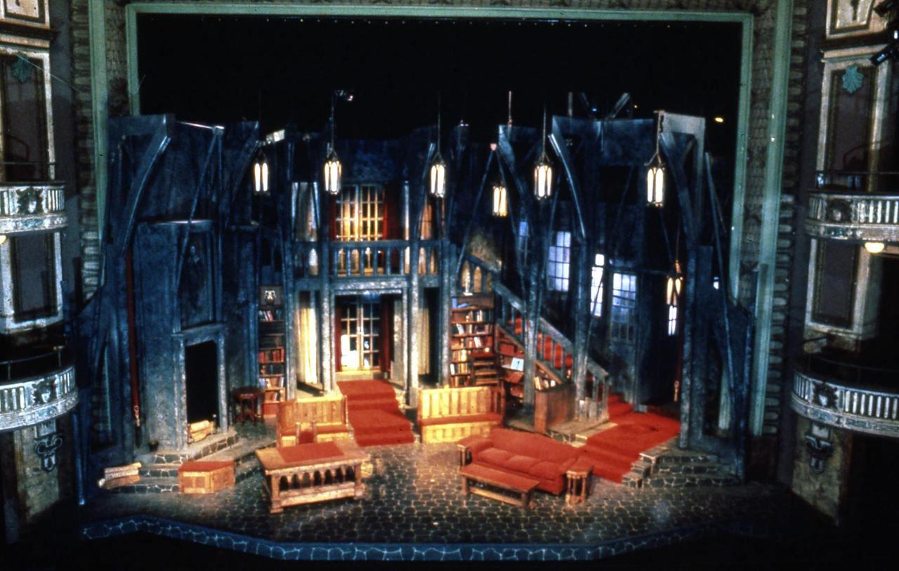 Dracula - Virginia Stage Company