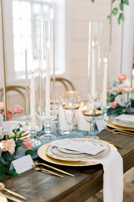 Florals & Design: @millefleurdesign Photography: @kristinacurtis